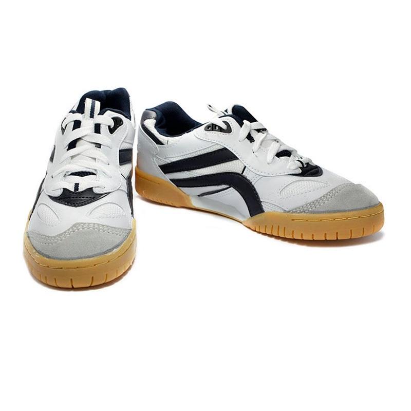 giày bóng chuyền sân bê tông